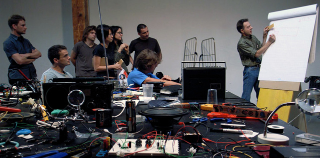 Nicolas Collins: «Hardware hacking» - workshop, sur inscription
